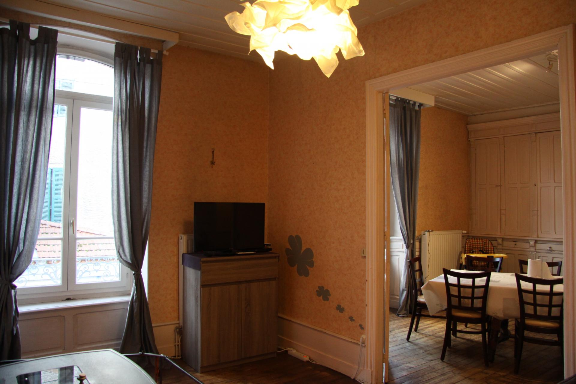 Suite petit salon